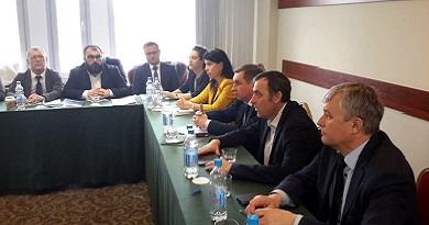 20.03.2019 г. в г.Москва состоялся круглый стол на тему «Повышение уровня безопасности на промышленном железнодорожном транспорте».